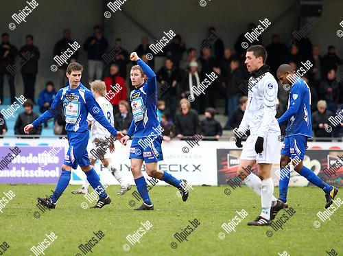 2011-02-13 / voetbal /  KV Turnhout - KVK Tienen / Sven Delanoy viert zijn doelpunt.