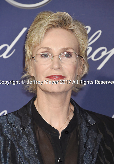 PALM SPRINGS, CA - JANUARY 02: Actress Jane Lynch attends the 28th Annual Palm Springs International Film Festival Film Awards Gala at the Palm Springs Convention Center on January 2, 2017 in Palm Springs, California.