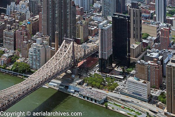 aerial photograph Queensborough bridge, FDR Drive, Manhattan
