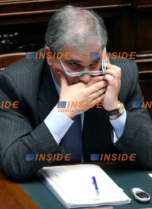 Roma 22-05- 2006: Camera dei Deputati,dibattito sulla fiducia al nuovo Governo Prodi<br /> Nella foto il ministro dell'Istruzione Giuseppe Fioroni<br /> Photo Serena Cremaschi Insidefoto