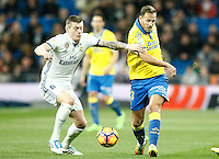 Real Madrid's Toni Kroos (l) and UD Las Palmas' Dani Castellano during La Liga match. March 1,2017. (ALTERPHOTOS/Acero) /NORTEPHOTOmex