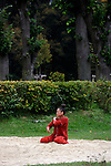 DOGU DETERRE<br /> <br /> Susan Buirge, conception et chor&eacute;graphie<br /> Hiroko Tamura, danseuse<br /> Carol Robinson, cr&eacute;ation musicale et interpr&eacute;tation<br /> Laurence Bruley, sc&eacute;nographie et costume<br /> F&eacute;lix Lefebvre, r&eacute;alisation technique<br /> Cadre : Songes chor&eacute;graphiques &agrave; Royaumont<br /> Date : 05/09/2014<br /> Lieu : Fondation Royaumont