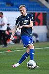 Maximilian Beier (Hoffenheim) waermt sich auf.<br /> <br /> Sport: Fussball: 1. Bundesliga: Saison 19/20: 28. Spieltag: TSG 1899 Hoffenheim - 1. FC Koeln, 27.05.2020<br /> <br /> Foto: Markus Gilliar/GES/POOL/PIX-Sportfotos.<br /> <br /> Nur für journalistische Zwecke! Only for editorial use!<br /> <br /> Gemäß den Vorgaben der DFL Deutsche Fußball Liga ist es untersagt, in dem Stadion und/oder vom Spiel angefertigte Fotoaufnahmen in Form von Sequenzbildern und/oder videoähnlichen Fotostrecken zu verwerten bzw. verwerten zu lassen. DFL regulations prohibit any use of photographs as image sequences and/or quasi-video.