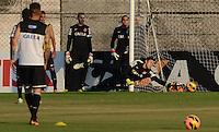 SÃO PAULO,SP, 13.09.2013 TREINO/CORINTHIANS/SP - Cassio  durante treino do Corinthians no CT Joaquim Grava na zona leste de Sao Paulo. (Foto: Alan Morici /Brazil Photo Press).