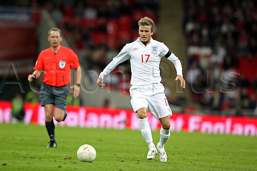 1 April 2009: England midfielder David Beckham playing his record-breaking 110th game, during the World cup qualifier between England and Ukraine played at Wembley Stadium, London. England won the game 2-1. Photo: actionplus...090401 soccer football man male