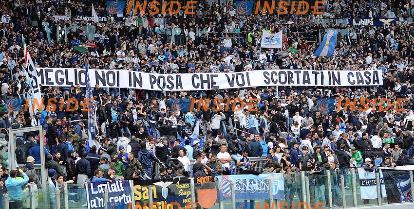 Tifosi della Lazio con uno striscione.11/11/2012 Roma, Stadio Olimpico.Campionato di Calcio Serie A 2012/2013.Derby.Lazio vs Roma 3-2.Foto Antonietta Baldassarre Insidefoto