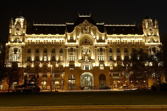 Gresham Palace ; Four Seasons ; Budapest; Hungary; night