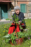 "Lucica Irimie, agronoma 60 anni, si occupa dell ""Orto e Clinica delle piante"" della Casa Lucha Y Siesta, struttura il sostegno delle donne in difficoltà.<br /> Lucica Irimie, agronomist 60 years old, is engaged in ""Ortho Clinical and plants"" of the Lucha Y Siesta, structure for support of women in need."