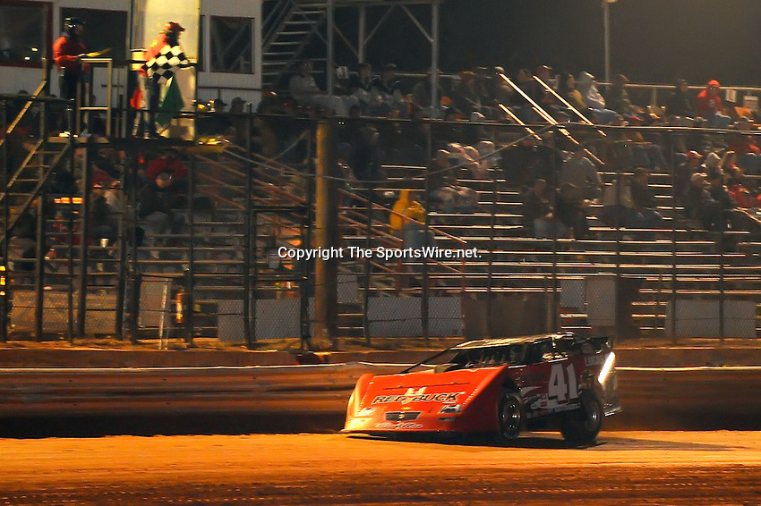 Jan 28, 2010; 7:47:26 PM; Waynesville, GA., USA; The Southern All Stars Racing Series running The Super Bowl of Racing VI at Golden Isles Speedway.  Mandatory Credit: (thesportswire.net)