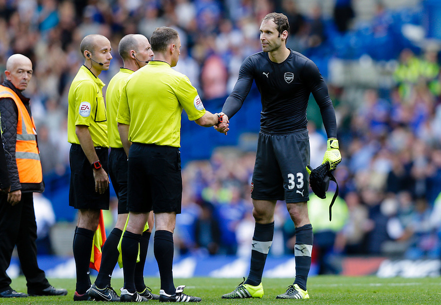 Arsenal's Petr Cech shakes the hands of the officials at full time<br /> <br /> Photographer Craig Mercer/CameraSport<br /> <br /> Football - Barclays Premiership - Chelsea v Arsenal - Saturday 19th September 2015 - Stamford Bridge - London<br /> <br /> &copy; CameraSport - 43 Linden Ave. Countesthorpe. Leicester. England. LE8 5PG - Tel: +44 (0) 116 277 4147 - admin@camerasport.com - www.camerasport.com