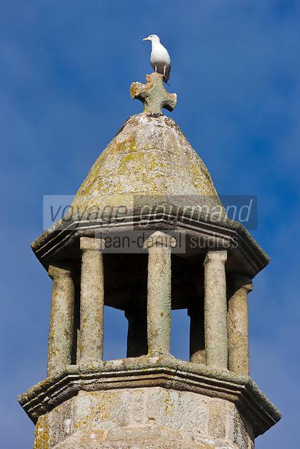 France, Côtes-d'Armor (22), Côte d'Emeraude, Lancieux: Le Vieux Clocher XVIII ème siècle //  France, Brittany, Cotes-D'Armor,  Emeraude coast , Lancieux:  The Old Bell eighteenth century