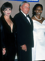 Liza Minnelli, Frank Sinatra, Whoopi Goldberg, 1994, Photo By Michael Ferguson/PHOTOlink