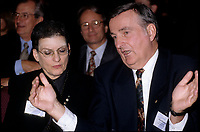 Phyllis Lambert <br /> et Le maire Pierre Bourque  (date exacte inconnue)