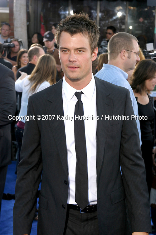"Josh Duhamel.""Transformers"" Premiere.Mann's Village Theater.Los Angeles, CA.June 27, 2007.©2007 Kathy Hutchins / Hutchins Photo..."