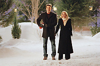 Surviving Christmas (2004)<br /> Ben Affleck &amp; Christina Applegate<br /> *Filmstill - Editorial Use Only*<br /> CAP/KFS<br /> Image supplied by Capital Pictures