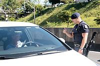 Campinas (SP), 24/03/2020 - Covid-19/ Orientação GM - Campinas, interior de São Paulo esta em quarentena e os principais acessos rodoviários à cidade também estão sendo controlados pela Guarda Municipal. O papel dos guardas será o de orientar a população idosa para que evite deslocamentos desnecessários.