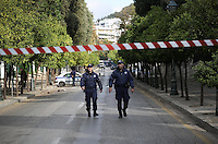 Pictured: Heavy police presence and closed off roads in central Athens, Greece. Tuesday 15 November 2016<br />