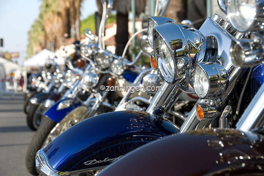 Harley-Davidson, Motorcycle Front Ends in Line, Classic, Hog