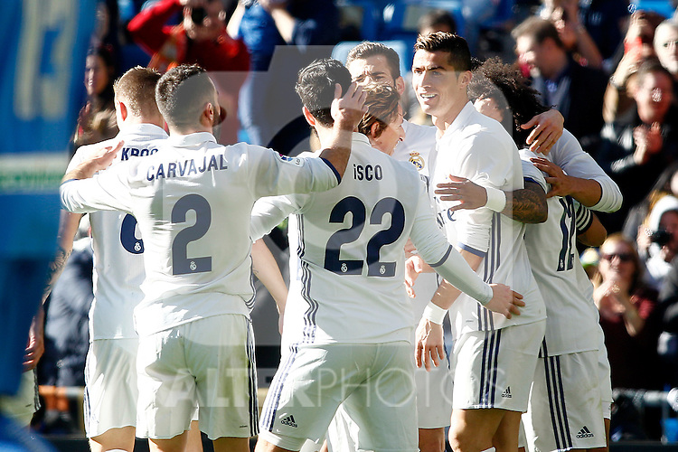 Real Madrid's players celebrate goal during La Liga match. January 7,2016. (ALTERPHOTOS/Acero)