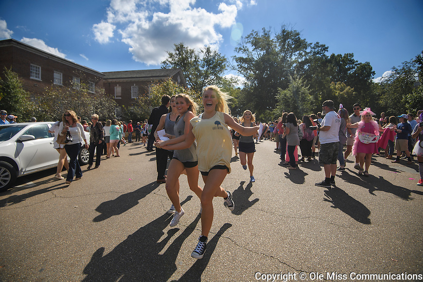 Ole Miss Panhellenic Bid Day 2016. Photo by Thomas Graning/Ole Miss Communications