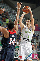 Slovenia's Domen Lorbek (r) and USA's Anthony Davis during 2014 FIBA Basketball World Cup Quarter-Finals match.September 9,2014.(ALTERPHOTOS/Acero)