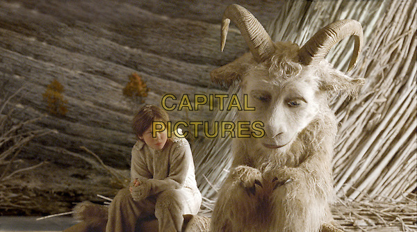 MAX RECORDS & PAUL DANO .in Where the Wild Things Are.*Filmstill - Editorial Use Only*.CAP/FB.Supplied by Capital Pictures.