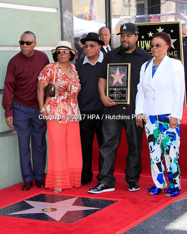 LOS ANGELES - JUN 12:  Brother, Sister, Hosea Jackson, O'Shea Jackson aka Ice Cube, Doris Benjamin at the Ice Cube Star Ceremony on the Hollywood Walk of Fame on June 12, 2017 in Los Angeles, CA
