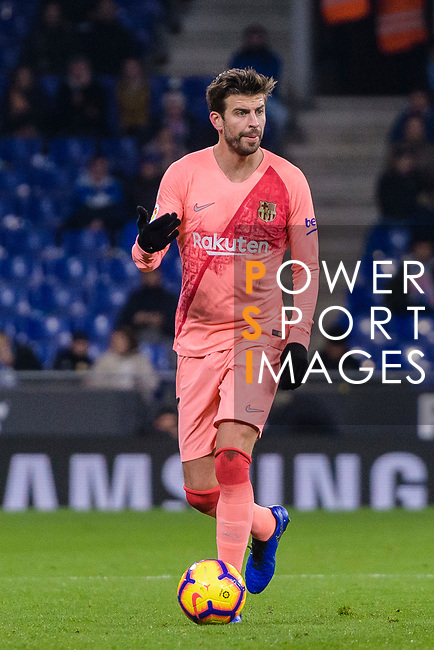 Gerard Pique of FC Barcelona in action during the La Liga 2018-19 match between RDC Espanyol and FC Barcelona at Camp Nou on 08 December 2018 in Barcelona, Spain. Photo by Vicens Gimenez / Power Sport Images