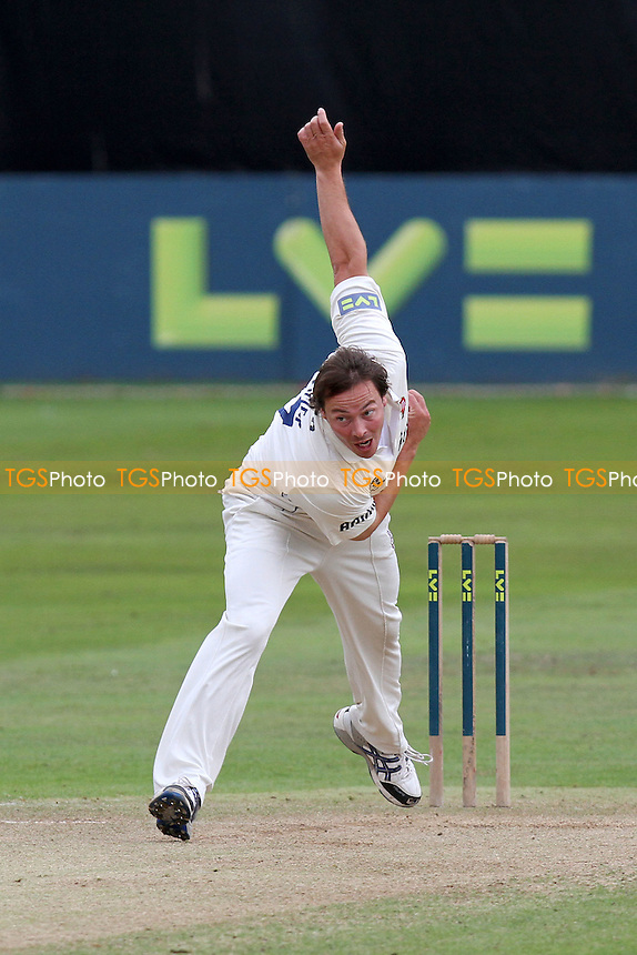 Graham Napier in bowling action for Essex - Essex CCC vs Surrey CCC - LV County Championship Division Two Cricket at The Ford County Ground, Chelmsford, Essex - 08/09/11 - MANDATORY CREDIT: Gavin Ellis/TGSPHOTO - Self billing applies where appropriate - 0845 094 6026 - contact@tgsphoto.co.uk - NO UNPAID USE