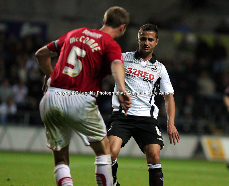 ATTENTION SPORTS PICTURE DESK<br /> Pictured: Ferrie Bodde of Swansea City in action <br /> Re: Coca Cola Championship Swansea City Football Club v Bristol City at the Liberty Stadium, Swansea, south Wales. Tuesday 15 September 2009