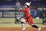 Megan Wiggins (Bee Queen), APRIL 17, 2016 - Softball : 49th Japan Women's Softball League between Bic Camera Bee Queen 7-1 Honda Reverta at QVC Marine Field, Chiba, Japan. (Photo by Yusuke Nakanishi/AFLO SPORT)