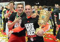 FUSSBALL       DFB POKAL FINALE        SAISON 2012/2013 FC Bayern Muenchen - VfB Stuttgart    01.06.2013 Bayern Muenchen ist Pokalsieger 2013: Xherdan Shaqiri (li)  und Franck Ribery (re) jubeln mit dem Pokal