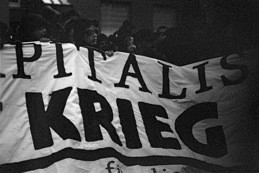 The first of May in 1987 was a turning point in the celebration of the day of labor in Kreuzberg. The unrest in the eastern part of Kreuzberg (SO 36) on this day were so intense that the police had to retreat for several hours from this district. Since then left-wing political groups held so called &lsquo;Revolutionaere 1.-Mai-Demonstrationen&rsquo;. In the night before and the night of the first of May (Walpurgis Night) as well as in the evening on the first of May riots break out in the districts of Kreuzberg, Prenzlauer Berg and Friedrichshain.<br /> <br /> For 1987 there were already many clashes between squatters and/or left radical groups on the one hand and the police on the other. Also around the annual street festival on the first of May at Lausitzer Platz, which was organized by left-wing groups, were small political demonstrations and sometimes small commotion arose. These were considered normal and caused little fuss.<br /> <br /> However, this year the atmosphere was strained by additional suppressant found measures of the conservative city council and the extensions for the celebration of the 750th anniversary of Berlin, which was unjustified waste of money in the eyes of the poorer population groups and left radicals. A raid by the police in an office of a political leftist group lit the fuse in the powder keg. In response there were police cars overturned, barricades raised in different places in the streets, cars set on fire, several looted supermarkets and a subway station severely damaged. The police were initially powerless and could only withdraw from the relevant district. Only on the second day of May the police could restore order by using water cannons and evacuation vehicles.<br /> <br /> In the following year, in 1988, the so-called, 'Revolution&auml;re 1. Mai-Demonstration' was held. The initiative for this demonstration came from leftist groups. They wanted this demonstration protesting mainly against capitalism, racism, sexism, war, fas