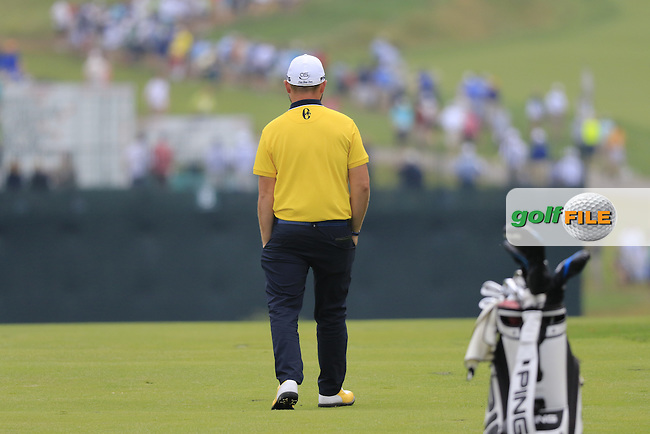 Andy Sullivan (ENG) waits to play his 2nd shot on the 1st hole during Friday's Round 1 of the 2016 U.S. Open Championship held at Oakmont Country Club, Oakmont, Pittsburgh, Pennsylvania, United States of America. 17th June 2016.<br /> Picture: Eoin Clarke | Golffile<br /> <br /> <br /> All photos usage must carry mandatory copyright credit (&copy; Golffile | Eoin Clarke)