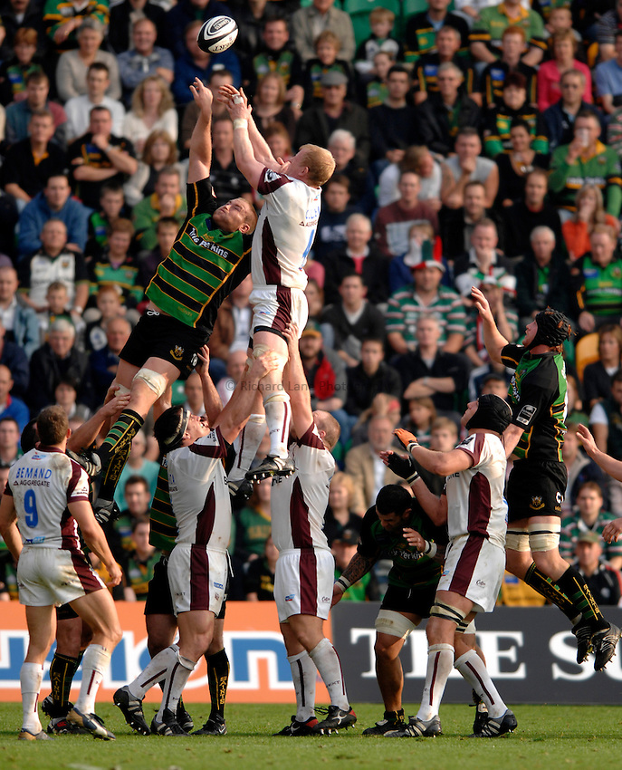 Photo: Richard Lane..Northampton Saints v Leicester Tigers. Guinness Premiership. 14/10/2006. .Tigers' Leo Cullen beats Damien Browne at a lineout.