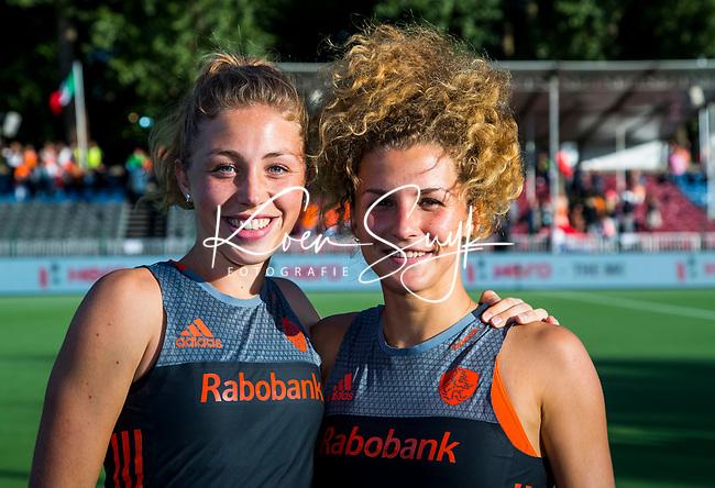 BRUSSEL -  Nederlandse dames winnen  de finale Nederland-China (2-0)  bij de halve finale ronde Hockey World League (dames) .  Laura Nunnink (Ned) en  Maria Verschoor (Ned)  .  COPYRIGHT KOEN SUYK