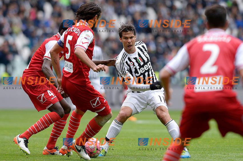 Isaac Cofie, Cristian Zaccardo Carpi, Hernanes Juventus <br /> Torino 01-05-2016 Juventus Stadium Football Calcio Serie A 2015/2016 Juventus - Carpi. Foto Filippo Alfero / Insidefoto