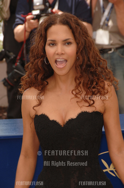 "Actress HALLE BERRY at the photocall for ""X-Men 3: The Last Stand"" at the 59th Annual International Film Festival de Cannes..May 17, 2006  Cannes, France..© 2006 Paul Smith / Featureflash"