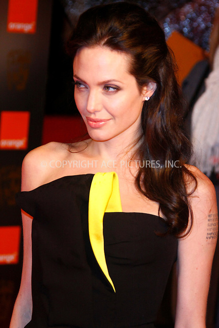Angelina Jolie at The Orange British Academy Film Awards (BAFTA) 2009 held at the Royal Opera House in London - 08 February 2009 ..FAMOUS PICTURES AND FEATURES AGENCY 13 HARWOOD ROAD LONDON SW6 4QP UNITED KINGDOM tel +44 (0) 20 7731 9333 fax +44 (0) 20 7731 9330 e-mail info@famous.uk.com www.famous.uk.com .FAM25192