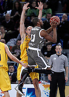 Herbalife Gran Canaria's Xavi Rey (l) and Uxue Bilbao Basket's Lamont Hamilton during Spanish Basketball King's Cup match.February 07,2013. (ALTERPHOTOS/Acero) /NortePhoto