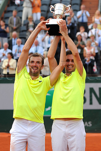 07.06.2014. Roland Garros, Paris, France. French Open Tennis championship. Mens Doubles final.  Edouard Roger-Vasselin (FRA) Julien Benneteau (FRA). Benneteau and Roger-Vasselin beat the Spanish pair of Marc Lopez and Marcel Granollers 6-3 7-6(1) to win the men's doubles title