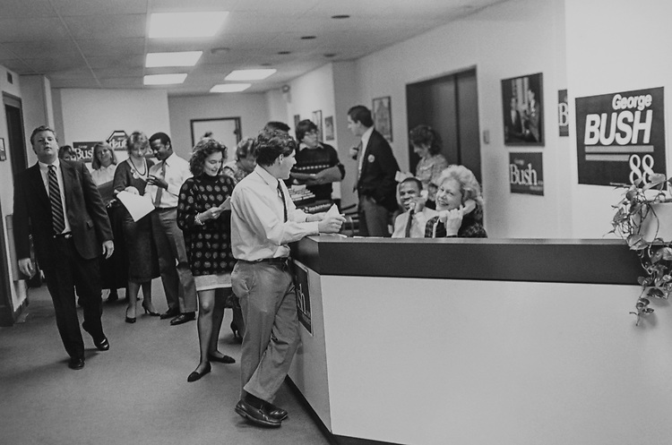 Staff members at President George H. W. Bush's Office. (Photo by CQ Roll Call via Getty Images)