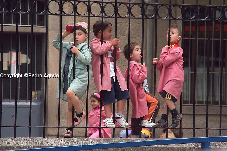 escolares en el recreo