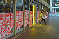 BRASÍLIA, DF - 23.09.2013 – GREVE NACIONAL DOS BANCÁRIOS – O Sindicato dos Bancários de Brasília disse que no quarto dia de greve, mais de 85% dos bancários de Brasília aderiram a greve. (Foto: Ricardo Botelho/Brazil Photo Press)