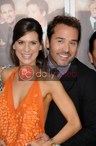 Perrey Reeves and Jeremy Piven<br />