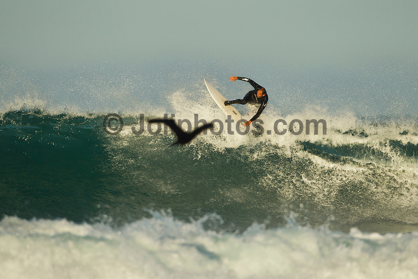 Jeffreys Bay, Eastern Cape, South Africa. Thursday July 21 2011. Garth Tarlow (USA). Freesurfing at Boneyards in 2'-4' clean south easterly swell.  Photo: joliphotos.com