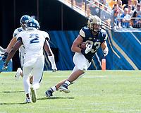 Pitt tight end Scott Orndoff. The Pitt Panthers defeated the Villanova Wildcats 28-7 at Heinz Field, Pittsburgh, Pennsylvania on September 3, 2016.