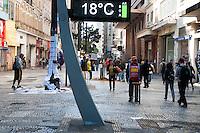 SÃO PAULO-SP- CLIMA TEMPO SÃO PAULO - As temperaturas no começo da manhã seguiram baixas.Local:Praça da República. Região central da cidade de São Paulo,no começo da manhã dessa Terça-Feira,23(Foto:Kevin David/Brazil Photo Press)