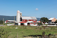 Farm buildings, Hunker, Pennsylvania, USA.