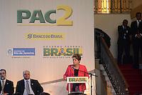 RIO DE JANEIRO-13/06/2012-Presidenta Dilma Rousseff e o Governador Sergio cabral na Cerimonia de assinatura de contrato de financiamento entre Banco do Brasil e governo do estado do RJ para obras de infraestrutura urbana, no Palacio Guanabara em laranjeiras, zona sul do rio.Foto:Marcelo Fonseca-Brazil Photo Press